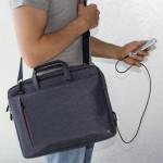 Hama taška na notebook s integrovaným USB káblom Manchester, 34 cm (13,3), modrá